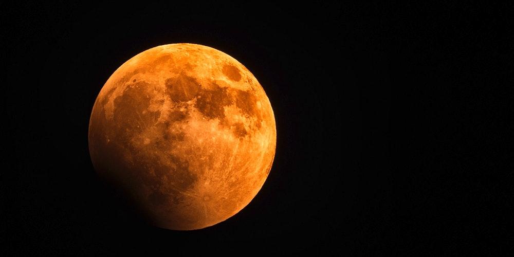 σελήνη στον κριό